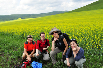 Photo time, Beijing Hikers Hailar, July014, 2011